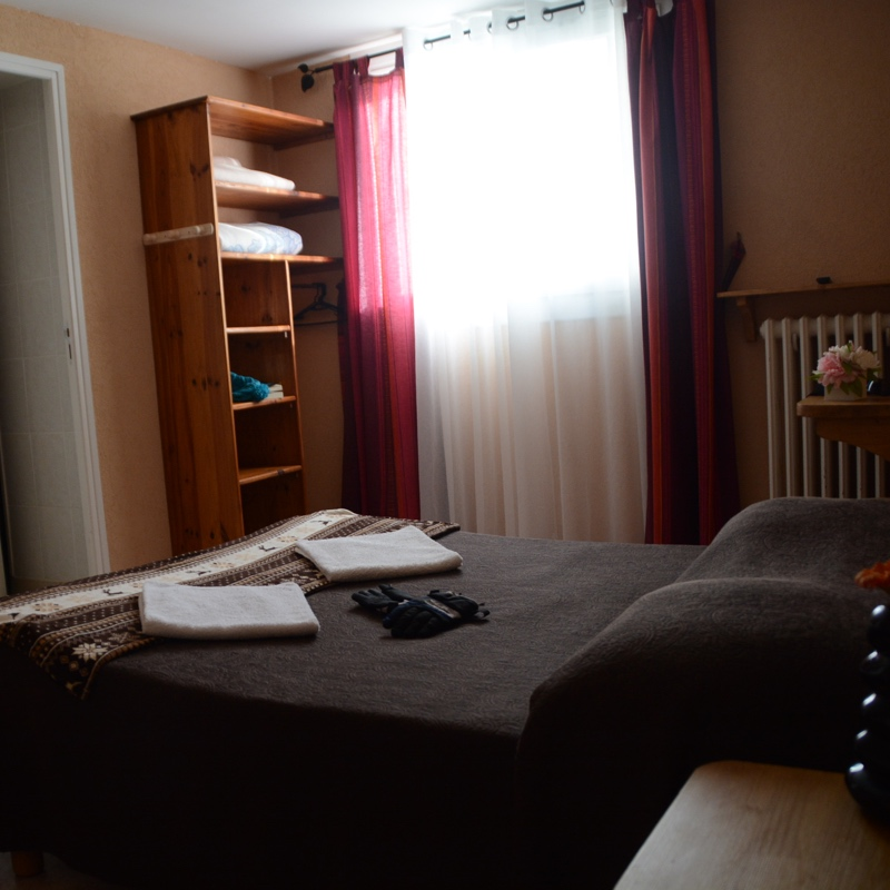 Typical room of the hotel Le Catalan. Click on the image to zoom.